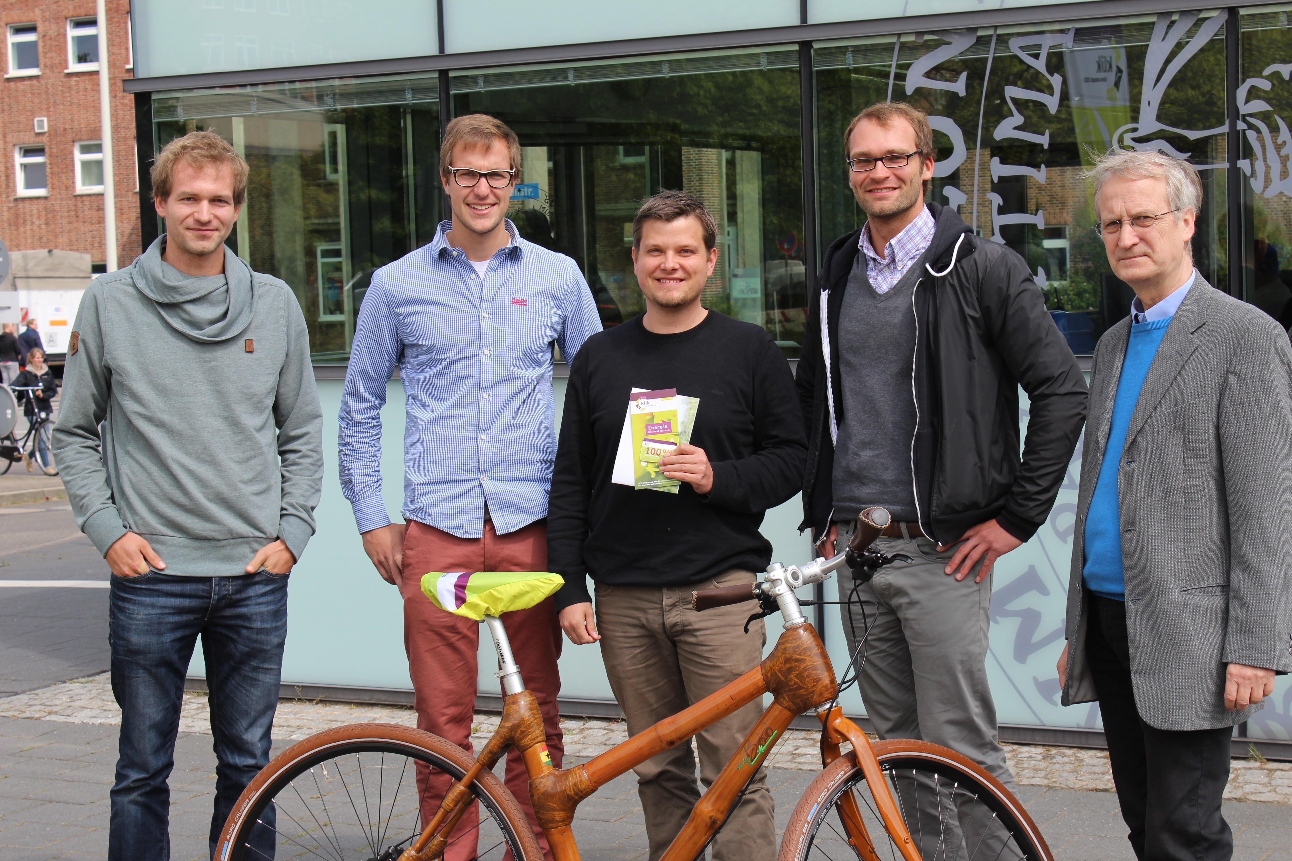 Uni Kiel Alles Richtig Gemacht Bambusfahrrad Fur Gewinner Des Cau