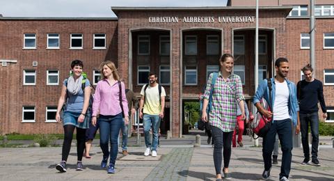 Studierende an der Christian-Albrechts-Universität zu Kiel